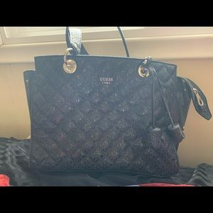 Guess purse (perfect condition)